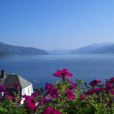 Sognefjord in a nutshell  - Visit Balestrand, Norway