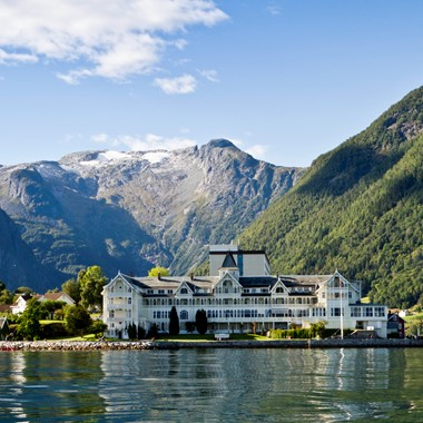 Experience Balestrand on the Sognefjord in a nutshell trip