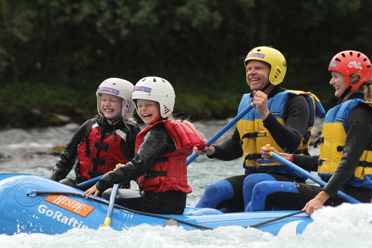 Family rafting in Sjoa