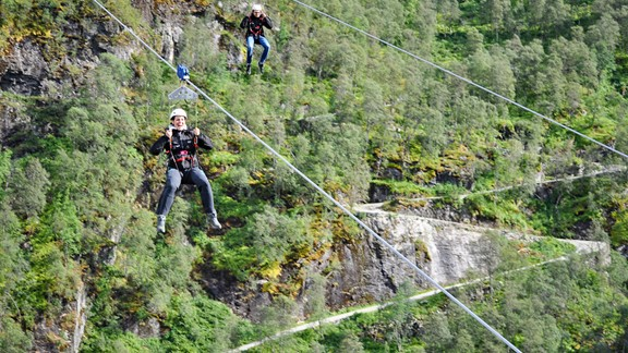 Flåm Zipline & Bike Tour