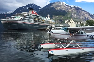 Fjord Sightseeing with seaplane from Bergen