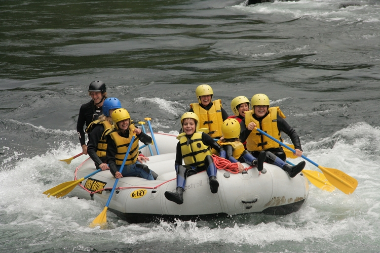 Family Rafting in Voss