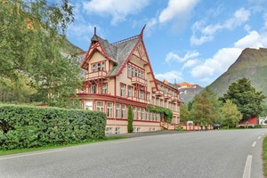 Experience Union Hotel in Øye on the Hjørundfjord & Norway in a nutshell® tour