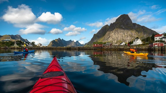 Kayak tour in Reine