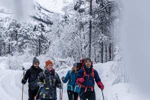 Snowshoe hiking in Raundalen, Voss