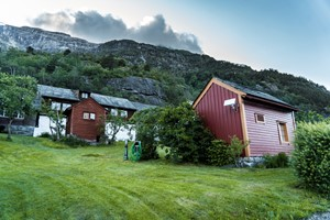 Agatun Farm - Hardanger, Norway - Cider tour in the Hardangerfjord   - Aga Norway