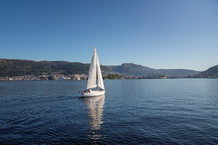 Sailboat Cruise in Bergen