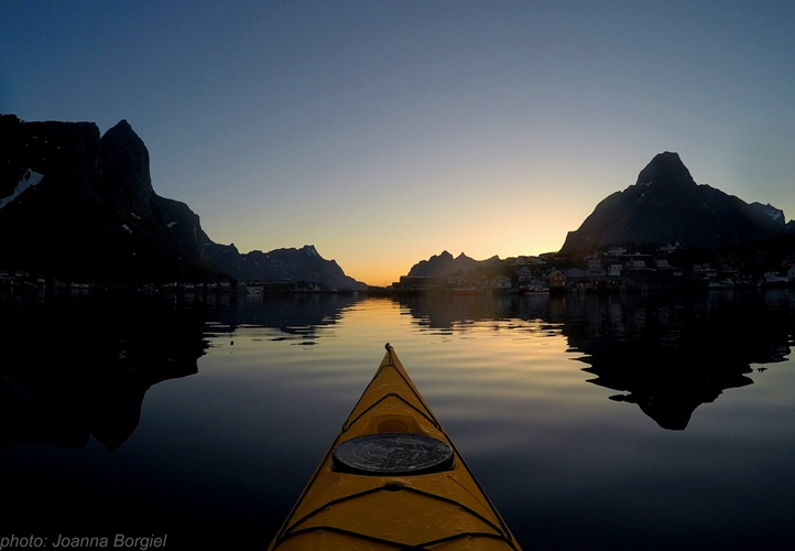 Midnight sun kayak tour