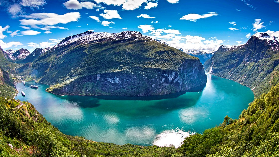 The Aurlandsfjord In Norway Fjord Tours