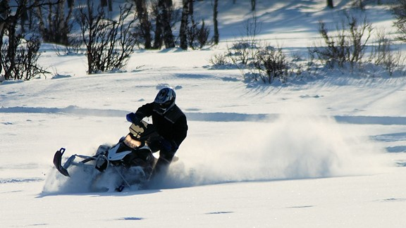 Snowmobile on track in Dagali