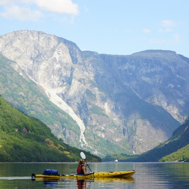 Go kayaking on the Nærøyfjord on the Norway in a nutshell® tour by Fjord Tours