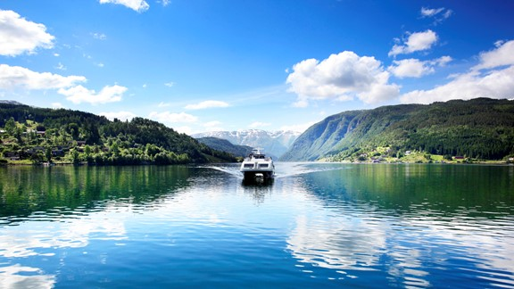 Tour from Oslo or Bergen with Hardangerfjord in a nutshell including fjord cruise