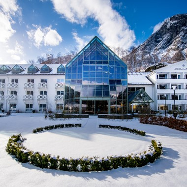 Experience Fretheim Hotel on the Norway in a nutshell® winter tour by Fjord Tours - Flåm, Norway