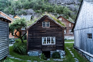 Experience Agatun Farm on the Cider tour in the Hardangerfjord  - Aga Hardanger  Norway