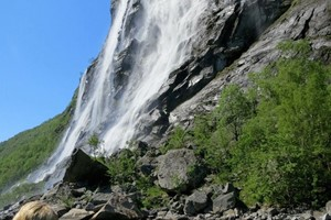 "Kayak Tour to the ""Sevens Sisters"" Waterfall in Geiranger"
