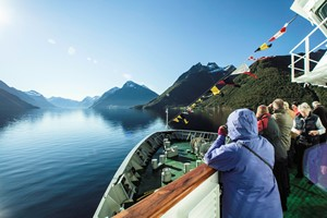 Travel in Norway with Hjorundfjord & Norway in a nutshell® - people enjying the fjords and the scenic views