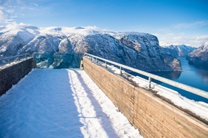 Experience the Stegastein View point on the Norway in a nutshell® winter tour by Fjord Tours - Flåm, Norway