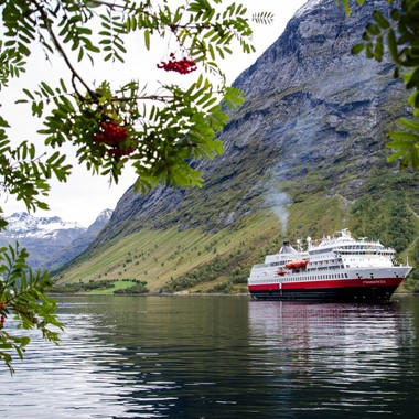 Travel from Oslo to the scenic Hjørundfjord. Tour including fjord cruise and a scenic rail trip.
