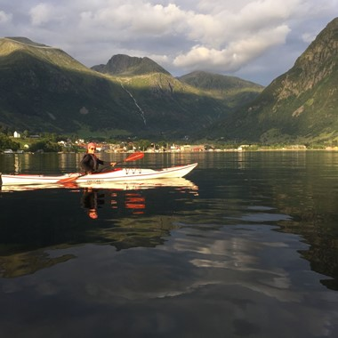Fjord kayaking in Rosendal