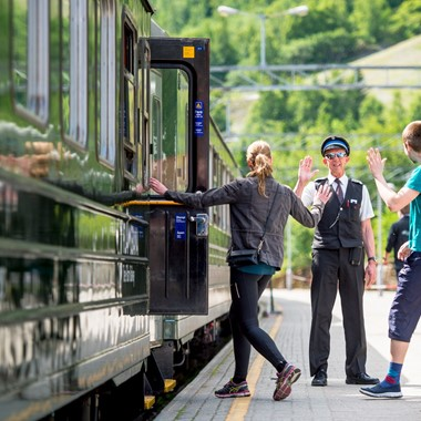 High Five on the Flåm Railway - Norway