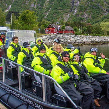 Getting ready for a fjordsafari on the Hardangerfjord - Eidfjord, Norway