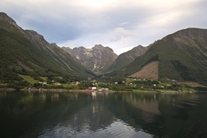 Experience the beautiful Urke on the Hjørundfjord & Norway in a nutshell® tour,