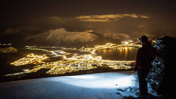 Night Snowshoe Hiking Tour in Ålesund