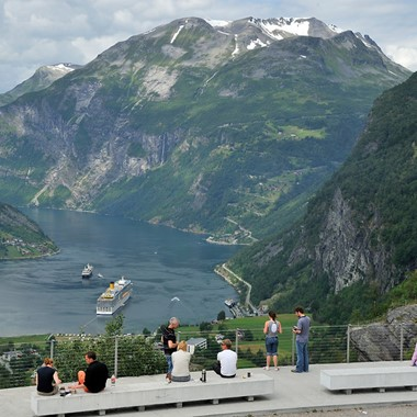 Experience Flydalsjuvet in Geiranger on the Epic Fjord & Rail tour  - Geiranger, Norway