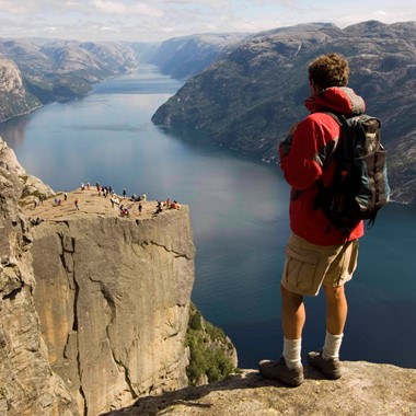 Travelling to Norway? Tour from Oslo, Bergen and Stavanger including the famous Preikestolen (The Pulpit Rock)