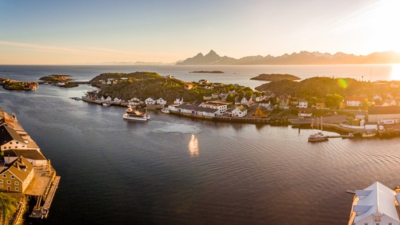 Evening Cruise to Skrova Island, Lofoten, Norwegen